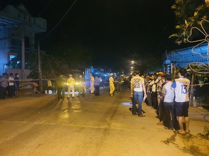 Chùm ảnh: Hiện trường vụ tai nạn kinh hoàng ở Quảng Nam - Ảnh 8.