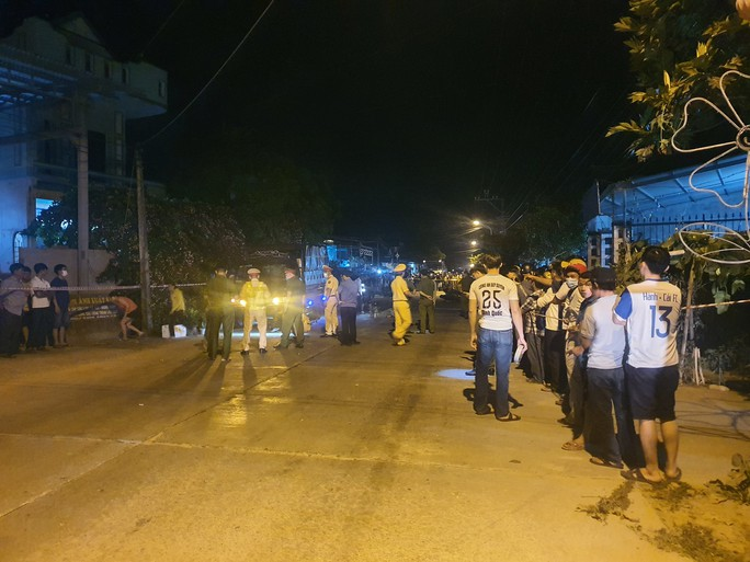 Chùm ảnh: Hiện trường vụ tai nạn kinh hoàng ở Quảng Nam - Ảnh 2.