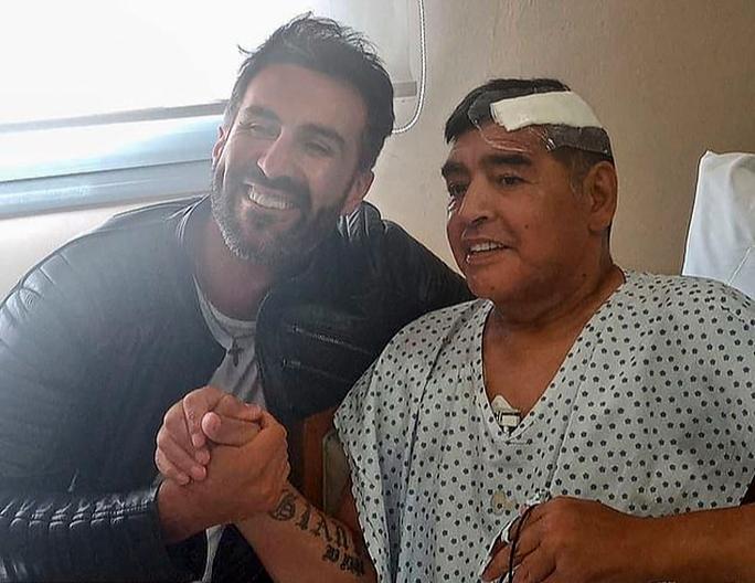 Tiết lộ chấn động: Maradona bị bỏ mặc đau đớn nhiều giờ đến chết - Ảnh 2.
