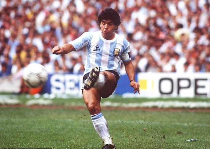 Tiết lộ chấn động: Maradona bị bỏ mặc đau đớn nhiều giờ đến chết - Ảnh 5.