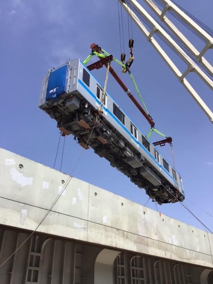 Hình ảnh đầu tiên của 2 đoàn tàu metro số 1 về cảng TP HCM - Ảnh 3.