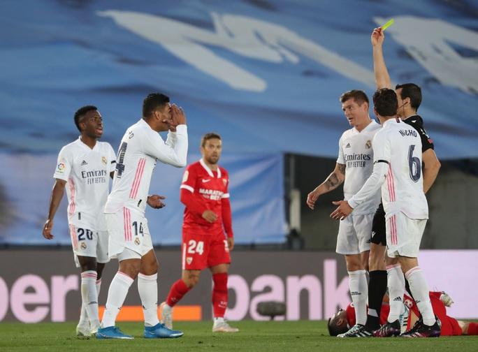 Mất điểm sân nhà, Real Madrid tố trọng tài phá hỏng cuộc đua vô địch - Ảnh 7.