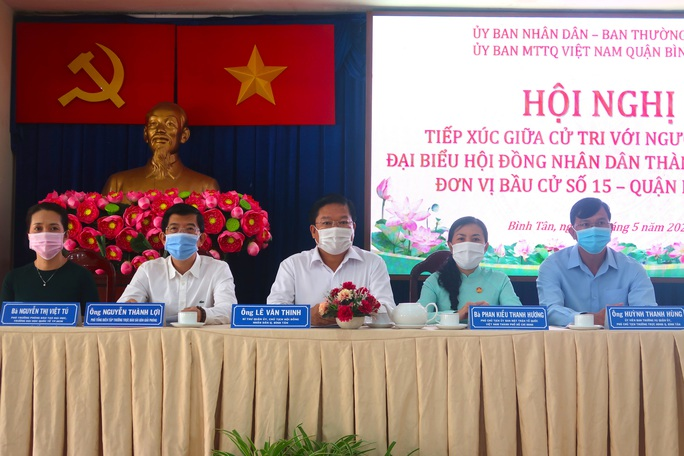 Tiếp xúc ứng cử viên HĐND TP HCM, cử tri quận Bình Tân bức xúc tiếng ồn, chợ tự phát - Ảnh 1.