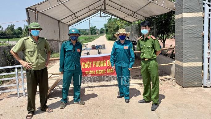 Ổ dịch nguy hiểm Shin Young đã có 60 ca dương tính, giãn cách xã hội toàn huyện Lục Nam - Ảnh 1.