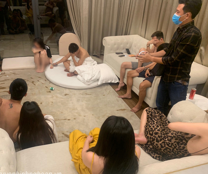 """5 cô gái trẻ cùng 4 nam thanh niên thuê biệt thự tại khu nghỉ dưỡng mở """"tiệc"""" ma túy - Ảnh 1."""