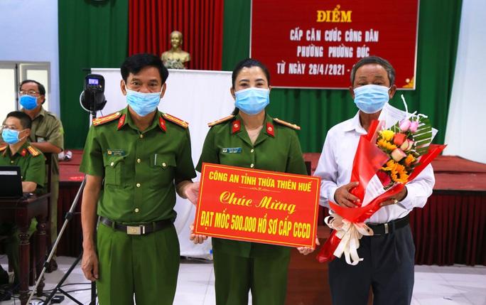 Thừa Thiên - Huế đề nghị tạm dừng làm căn cước công dân - Ảnh 1.