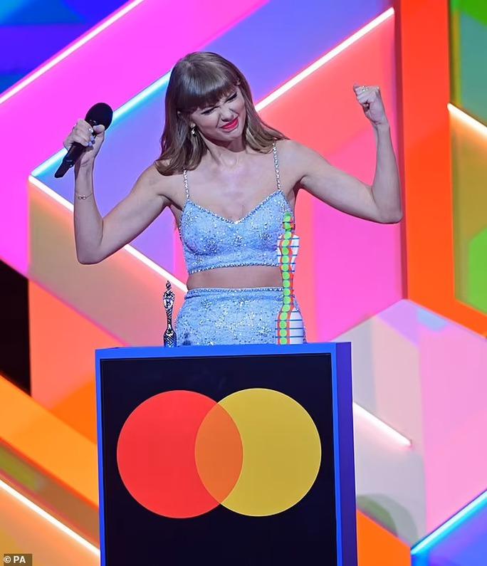Taylor Swift lập kỷ lục mới đáng ngưỡng mộ - Ảnh 4.