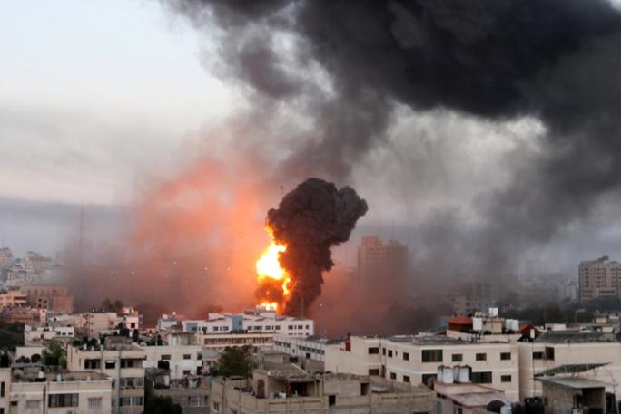 Hơn 1.000 quả rốc-két bắn về phía Israel - Ảnh 4.