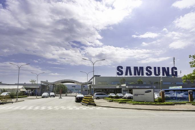 2 công nhân Samsung dương tính SARS-CoV2, thần tốc truy vết, xét nghiệm trong đêm - Ảnh 2.