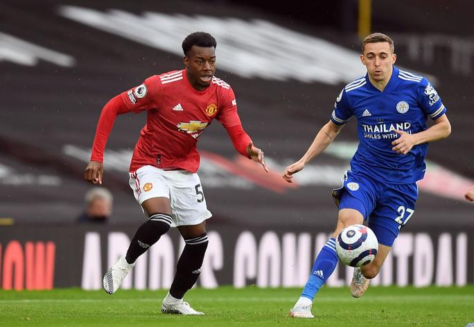 Thua Leicester sân nhà, Man United dâng chức vô địch cho Man City - Ảnh 2.