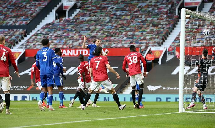Thua Leicester sân nhà, Man United dâng chức vô địch cho Man City - Ảnh 6.