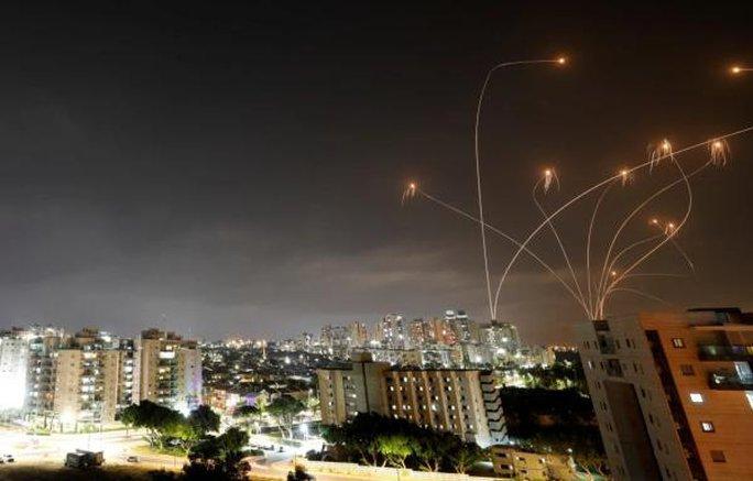 """Mỹ chỉ trích """"mưa tên lửa"""" trong căng thẳng Israel-Palestine - Ảnh 1."""