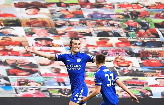 Thua Leicester sân nhà, Man United dâng chức vô địch cho Man City - Ảnh 7.