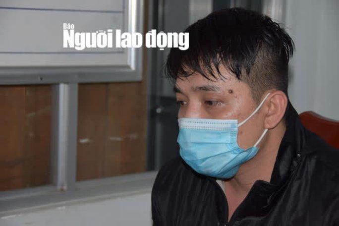 CLIP: 2 kẻ giết người ở cổng chợ Nhị Tì - Tiền Giang ra đầu thú - Ảnh 4.