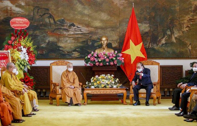 Chủ tịch nước Nguyễn Xuân Phúc tiếp đoàn Giáo hội Phật giáo Việt Nam - Ảnh 2.