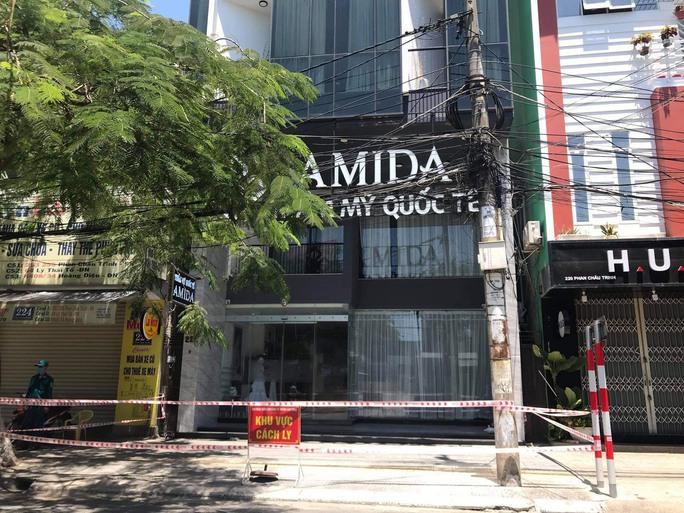 Đà Nẵng xem xét khởi tố vụ án làm lây lan dịch Covid-19 tại thẩm mỹ viện Amida - Ảnh 1.