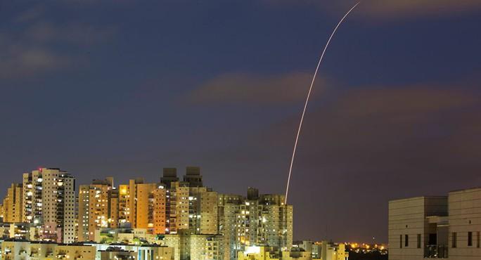 Israel tung 160 chiến đấu cơ, dội 450 tên lửa vào Hamas - Ảnh 1.