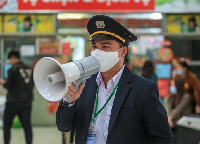 KHẨN: Yêu cầu người về từ Đà Nẵng cách ly 21 ngày, Hà Nội hiện có gần 2.000 F1 - Ảnh 1.