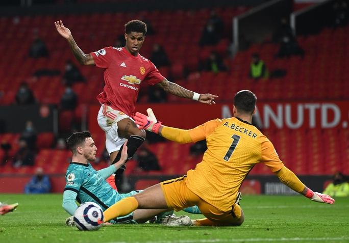 Đại tiệc 6 bàn thắng, Man United lại gục ngã sân nhà - Ảnh 5.