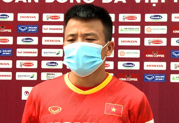 """Bảo vệ ngôi vương SEA Games, U22 Việt Nam đội nắng nóng """"luyện công"""" - Ảnh 7."""