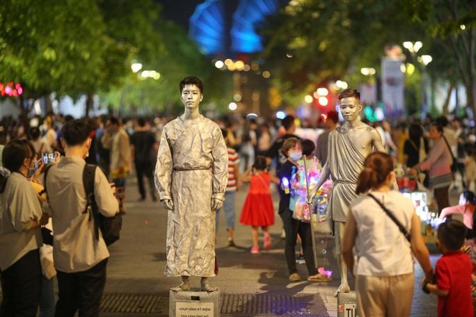 Phát triển sản phẩm du lịch gắn kinh tế đêm - Ảnh 1.