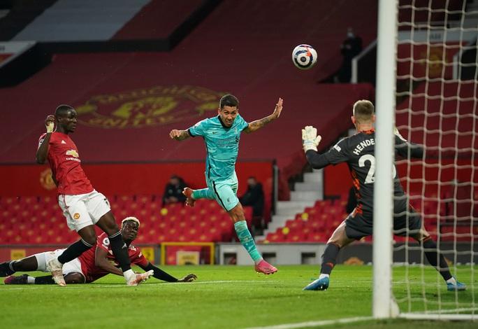 Đại tiệc 6 bàn thắng, Man United lại gục ngã sân nhà - Ảnh 4.