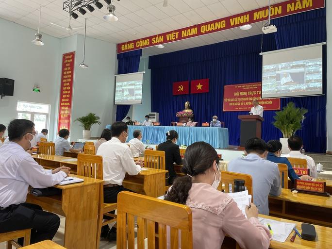 Chủ tịch nước Nguyễn Xuân Phúc chỉ ra điểm nghẽn của huyện Hóc Môn, Củ Chi - Ảnh 2.