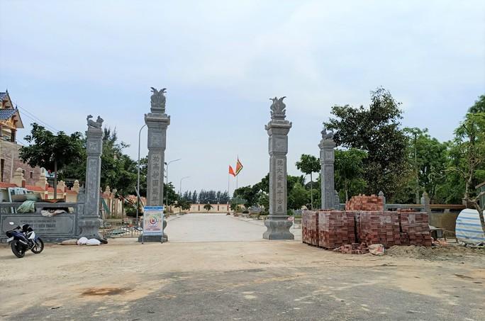 Nhiều công trình không phép mọc trong di tích quốc gia Tô Hiến Thành - Ảnh 1.