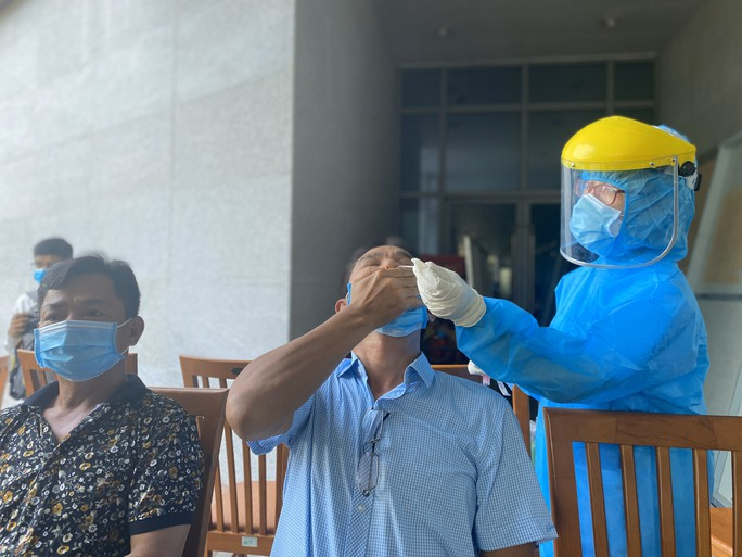 Đà Nẵng thông tin về nữ Giám đốc Sở Tư pháp dương tính với SARS-CoV-2 - Ảnh 1.