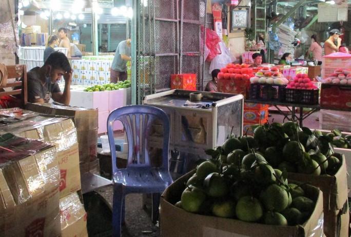 Trái cây Thái Lan đầu mùa giá cao ngất, còn bưởi xoài Việt Nam rẻ bèo - Ảnh 2.