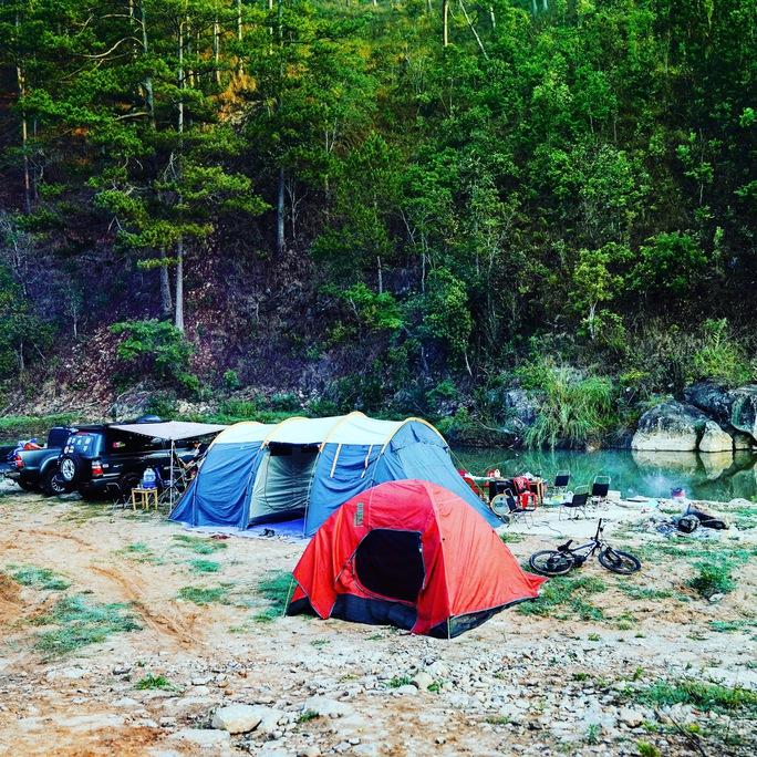 Du lịch cắm trại dã ngoại lên ngôi - Ảnh 1.