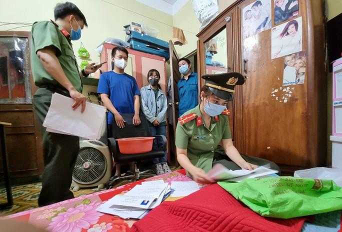 """Bắt thêm một giám đốc giúp sức cho chuyên gia """"dỏm"""" nhập cảnh trái phép Việt Nam - Ảnh 1."""