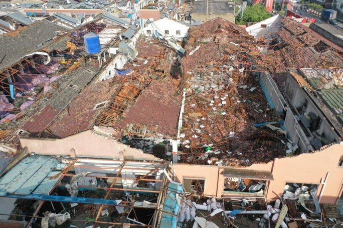 Trung Quốc: Lốc xoáy càn quét 2 thành phố, hàng trăm người thương vong - Ảnh 2.