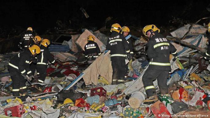 Trung Quốc: Lốc xoáy càn quét 2 thành phố, hàng trăm người thương vong - Ảnh 5.