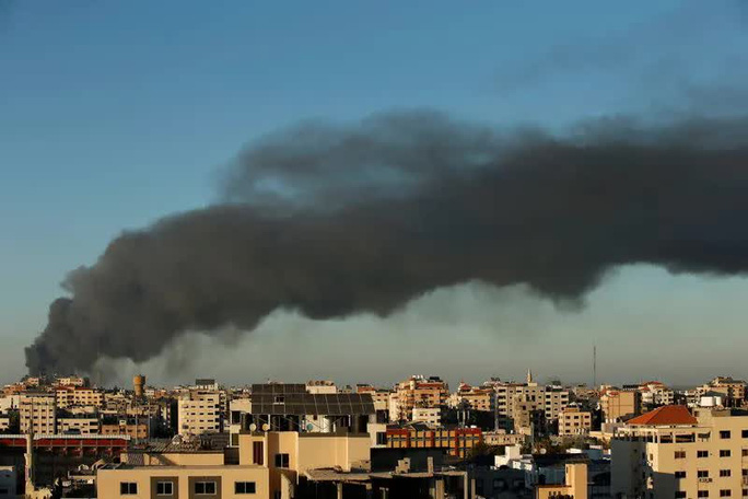 Israel không kích nhà thủ lĩnh Hamas - Ảnh 1.