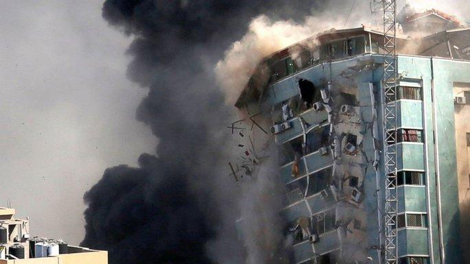 Israel không kích Gaza dữ dội, hàng chục người thiệt mạng - Ảnh 1.