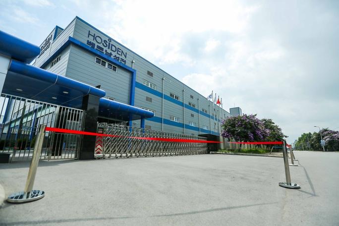 CLIP: Cận cảnh phong toả công ty Hosiden, ổ dịch có gần 200 ca mắc Covid-19 - Ảnh 4.