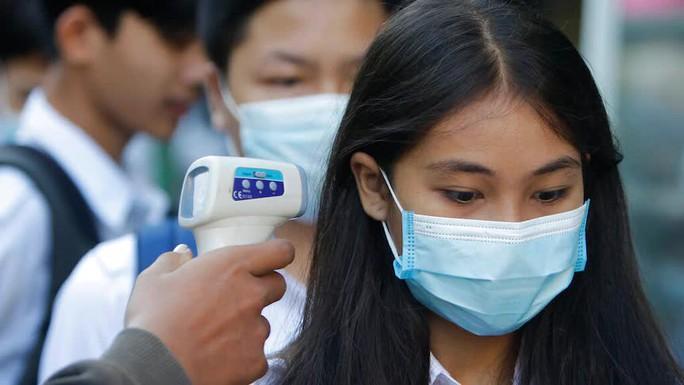 Campuchia: Tá hỏa phát hiện người đàn ông mắc Covid-19 đi qua 10 tỉnh - Ảnh 1.