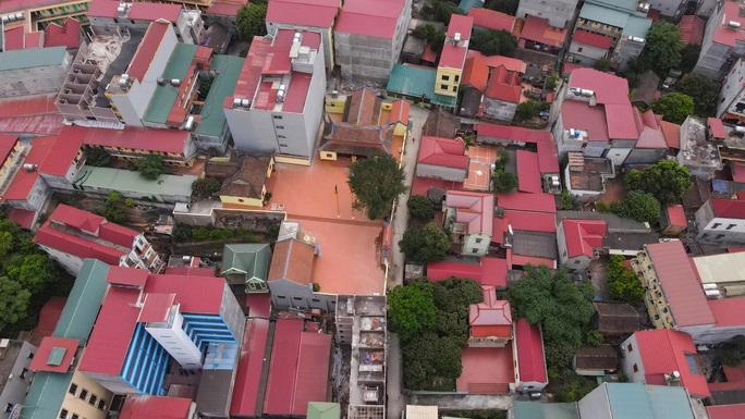 CLIP: Lập chốt giãn cách xã hội toàn huyện Việt Yên có ổ dịch Công ty Hosiden - Ảnh 7.