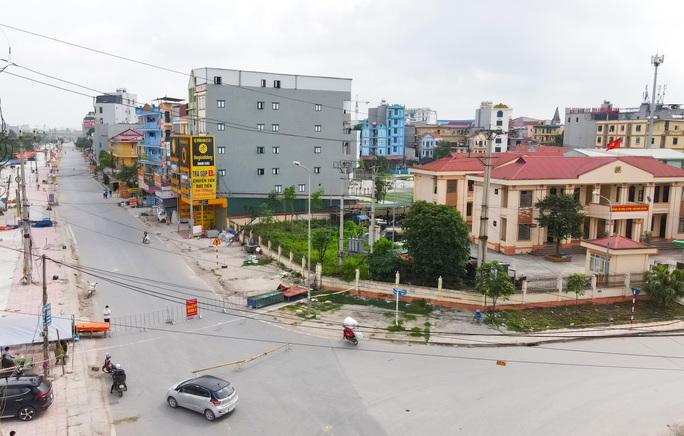 CLIP: Lập chốt giãn cách xã hội toàn huyện Việt Yên có ổ dịch Công ty Hosiden - Ảnh 8.