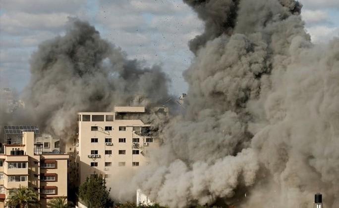 Israel lùng bệ phóng rốc-két ngầm của Hamas - Ảnh 2.