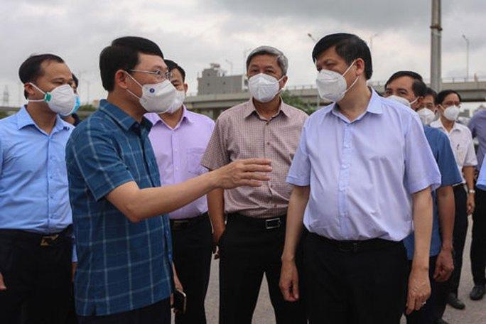 Chặn dịch ở các khu công nghiệp Bắc Giang - Ảnh 1.