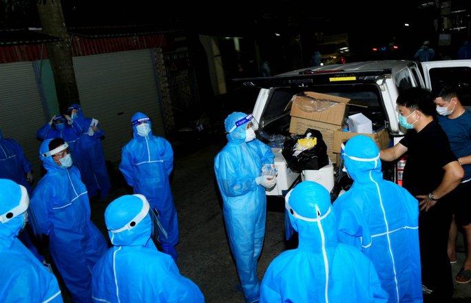 Nữ công nhân về quê dương tính SARS-CoV-2, Sơn La họp khẩn trong đêm - Ảnh 1.