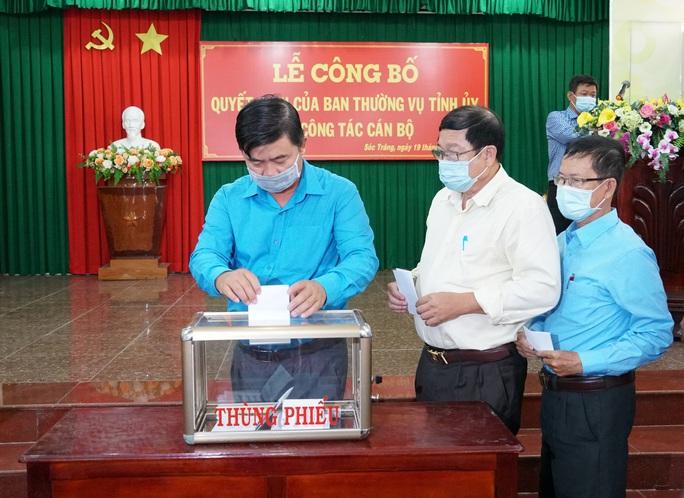 Phó Chủ tịch Thường trực LĐLĐ tỉnh Sóc Trăng nhận nhiệm vụ mới - Ảnh 2.