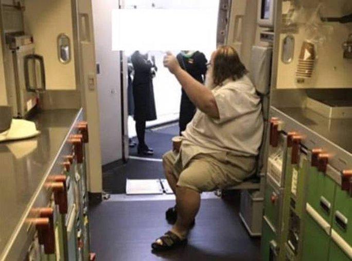 Các hãng hàng không Mỹ sẽ cân những hành khách béo phì và tăng giá vé máy bay - Ảnh 1.