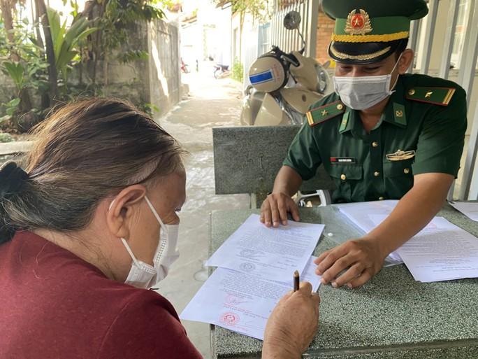 Biên phòng Phú Quốc phát động phong trào toàn dân tham gia phòng chống Covid-19 - Ảnh 2.