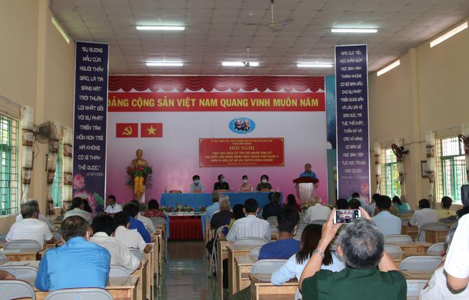 Cử tri huyện Bình Chánh bức xúc quy hoạch treo, kẹt xe, ngập nước, ô nhiễm... - Ảnh 1.