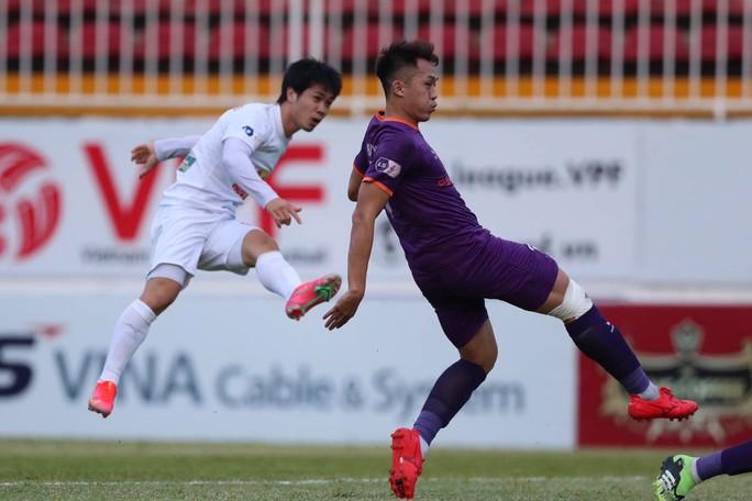 Hoàng Anh Gia Lai bị ngắt mạch chiến thắng, còn hơn Viettel 3 điểm - Ảnh 1.
