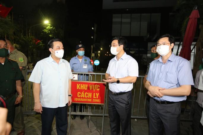 Phát hiện hàng chục người Trung Quốc nhập cảnh trái phép sống trong chung cư ở Hà Nội - Ảnh 1.