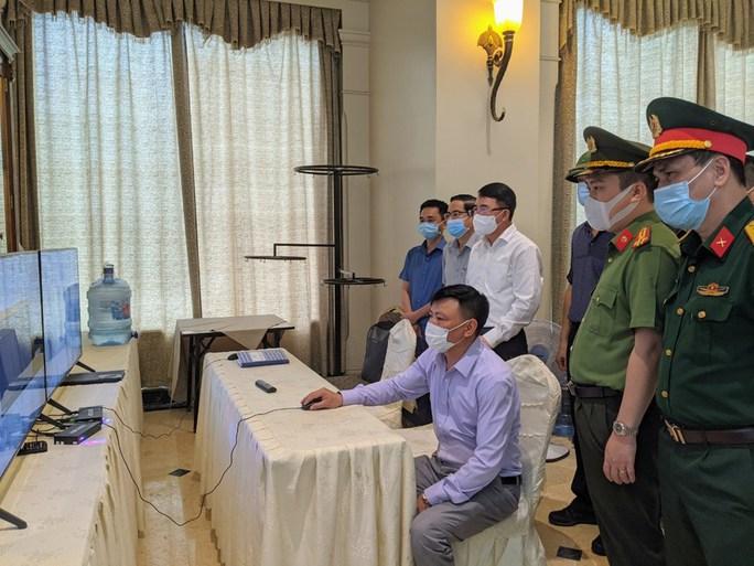 Một nhân viên quán karaoke là F1 của nhóm chuyên gia Trung Quốc đã dự tiệc cưới, đưa dâu - Ảnh 1.